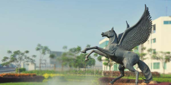luthra horse statue